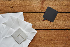 被折叠的纸创造性的活动和讲话泡影 库存照片