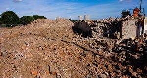 被拆毁的大厦理想当恐怖袭击、地震、战争或者炸弹概念 库存照片