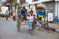 被拉扯的人力车,加尔各答,印度 图库摄影