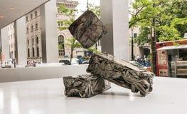 被拒绝的皮肤雕塑在更低的曼哈顿 库存图片