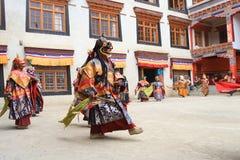 被掩没的舞蹈节日在Lamayuru修道院(印度)里 库存图片