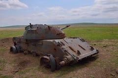 被摧毁的老坦克 库存照片