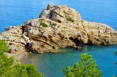 被撕毁的海滩在Hospitalet del Infant,西班牙 库存照片