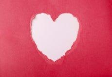 被撕毁的纸心脏 免版税库存图片