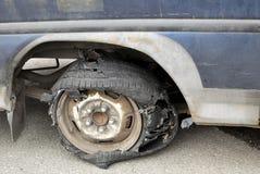 被撕毁的轮胎 库存图片