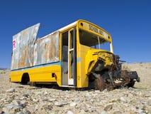 被放弃的公共汽车学校 免版税库存图片