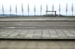 被放弃的公共汽车站 免版税图库摄影