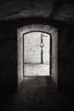 被放弃的军事地堡内部 免版税库存图片