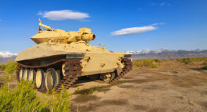 被放弃的军事坦克 库存照片