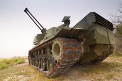 被放弃的军事坦克 免版税库存照片