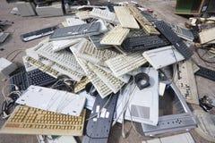 被放弃的几个键盘 免版税库存图片
