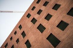 被放弃的办公室建筑在Sant Cugat del Valles 免版税库存图片