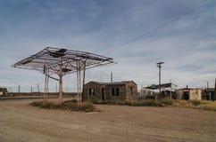 被放弃的加油站 免版税图库摄影
