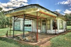 被放弃的加油站Moulton得克萨斯 库存照片