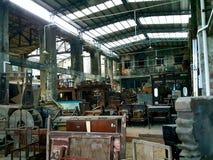 被放弃的和被毁坏的造船厂 免版税库存照片