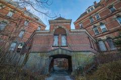 被放弃的哈得逊河精神病院 免版税库存照片