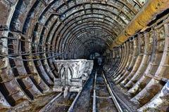 被放弃的地铁隧道在基辅,乌克兰 免版税图库摄影