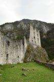 被放弃的城堡kamen在斯洛文尼亚 免版税库存照片