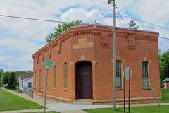被放弃的城镇厅在一个小镇 免版税图库摄影