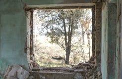 被放弃的大厦 内河港的废墟 库存照片