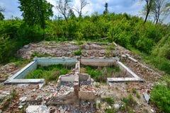 被放弃的对从Someseni浴的水池在科鲁附近 免版税库存图片