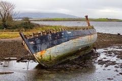 被放弃的小船, Co 斯莱戈,爱尔兰 免版税图库摄影