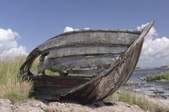 被放弃的小船 库存照片