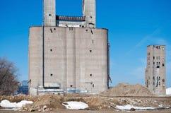 被放弃的工业全部在米尼亚波尼斯 库存照片