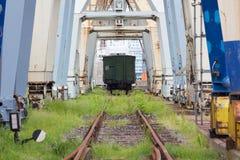 被放弃的工业船坞 免版税库存照片