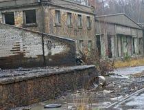 被放弃的工厂厂房 免版税库存照片