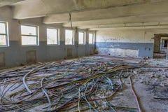 被放弃的工厂工业内部 免版税库存图片