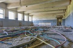 被放弃的工厂工业内部 免版税图库摄影