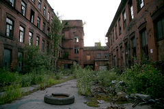 被放弃的工厂红色三角,圣彼得堡,俄罗斯 摄制的地点 图库摄影
