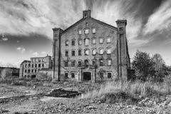 被放弃的工厂,经济危机的标志 库存图片