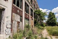 被放弃的帕卡德工厂  免版税库存照片