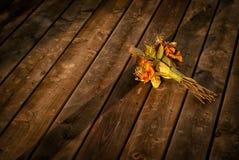 被放弃的干花花束 库存图片