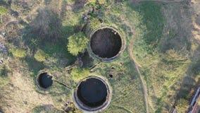 被放弃的废水处理植物的鸟瞰图 股票视频