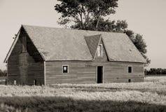 被放弃的房子大草原 免版税库存照片