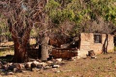 被放弃的房子废墟 图库摄影