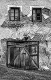 被放弃的房子门面 库存图片