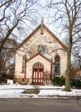被放弃的教会在冬日 免版税库存图片