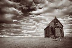 被放弃的教会沙漠 免版税图库摄影
