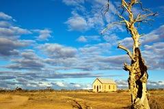 被放弃的教会沙漠 图库摄影