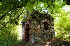 被放弃的教堂 库存图片