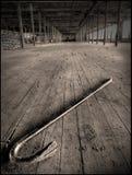 被放弃的棉花撬杠磨房 免版税库存照片