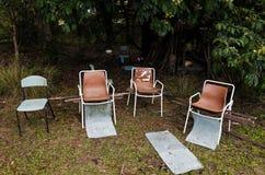 被放弃的椅子 免版税图库摄影