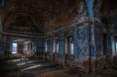 被放弃的正统伊莱亚斯教会内部大马丁的,沃罗涅日地区 免版税图库摄影