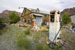 被放弃的气泵 免版税图库摄影