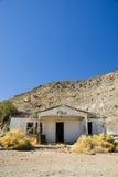 被放弃的沙漠房子 图库摄影