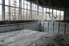 被放弃的游泳池, Pripyat,切尔诺贝利 库存照片